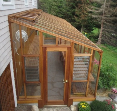 Deluxe lean-to Greenhouse at door end