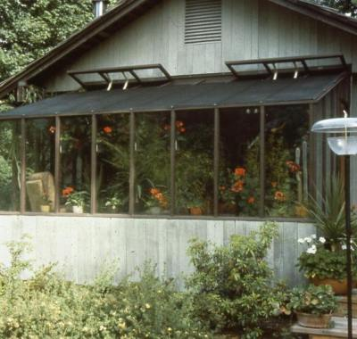 Garden Sunroom greenhouse carefully integrated into house