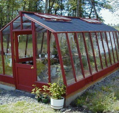 Garden greenhouse with dutch door