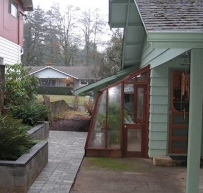 5 1/2' wide Solite Lean-to in Salem, Oregon with Dutch door