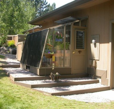 7 1/2'x9' Solite Lean-to greenhouse in Bend, OR