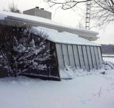 Solite Lean-to greenhouse in snow