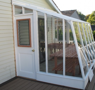 7 1/2'x9' Solite redwood Lean-to greenhouse painted white