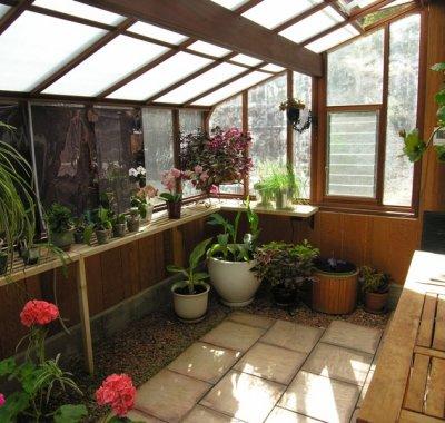 tudor-lean-to-greenhouse-7x14-interior