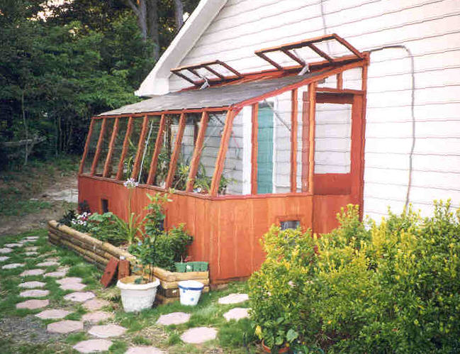 Standard Greenhouse Features