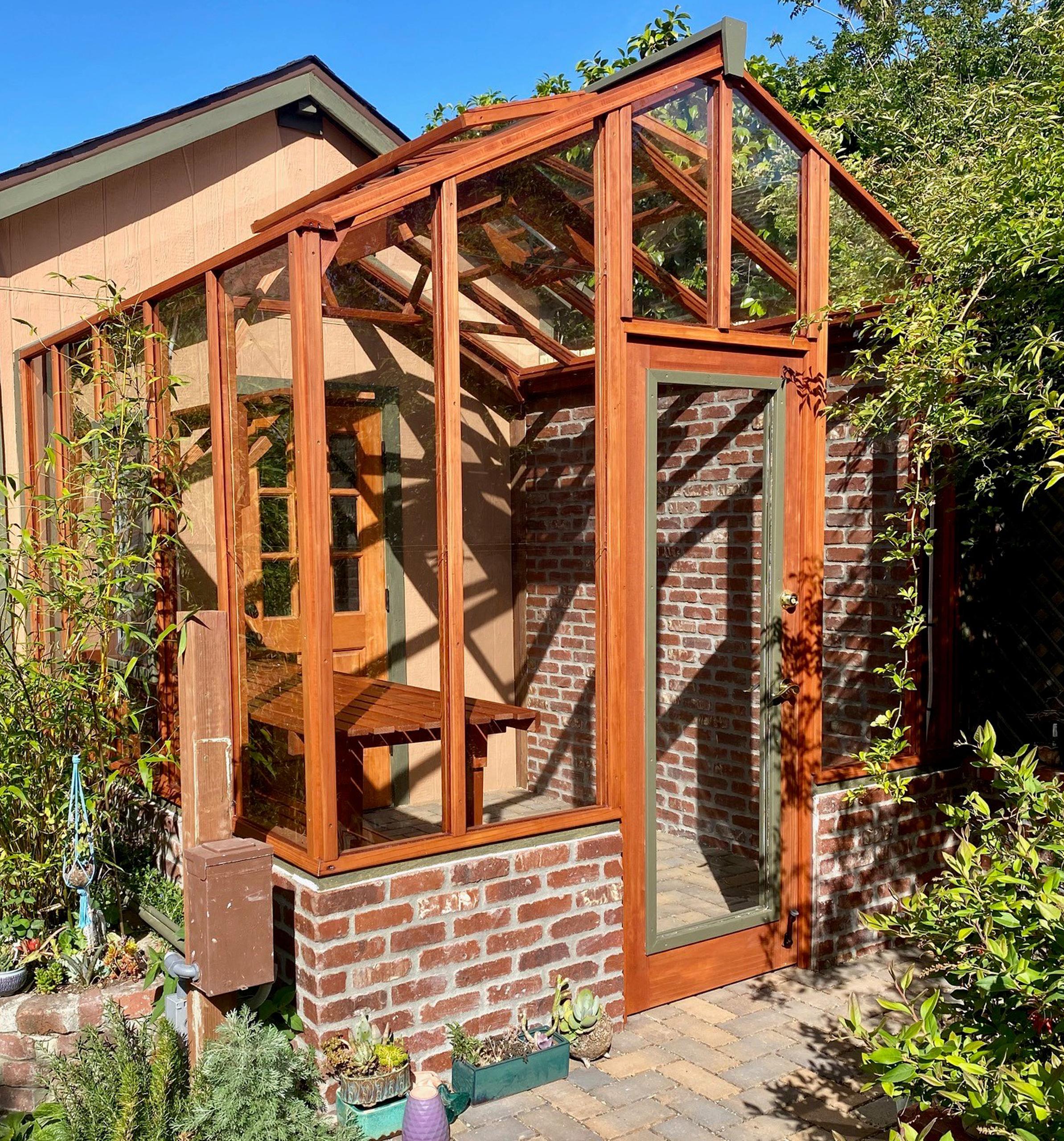 Sturdi-Built Garden Deluxe Greenhouse