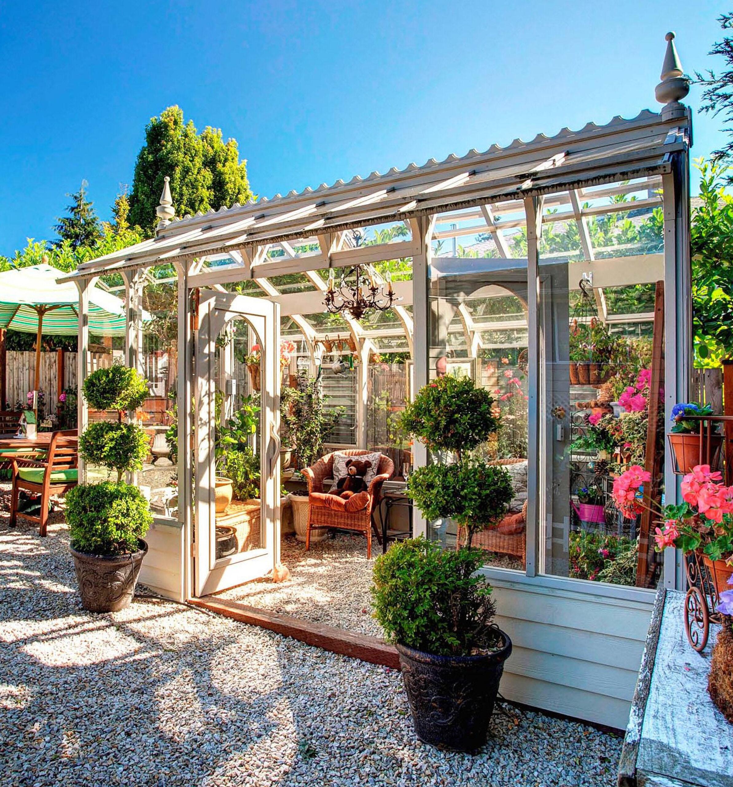 Sturdi-Built Nantucket Greenhouse