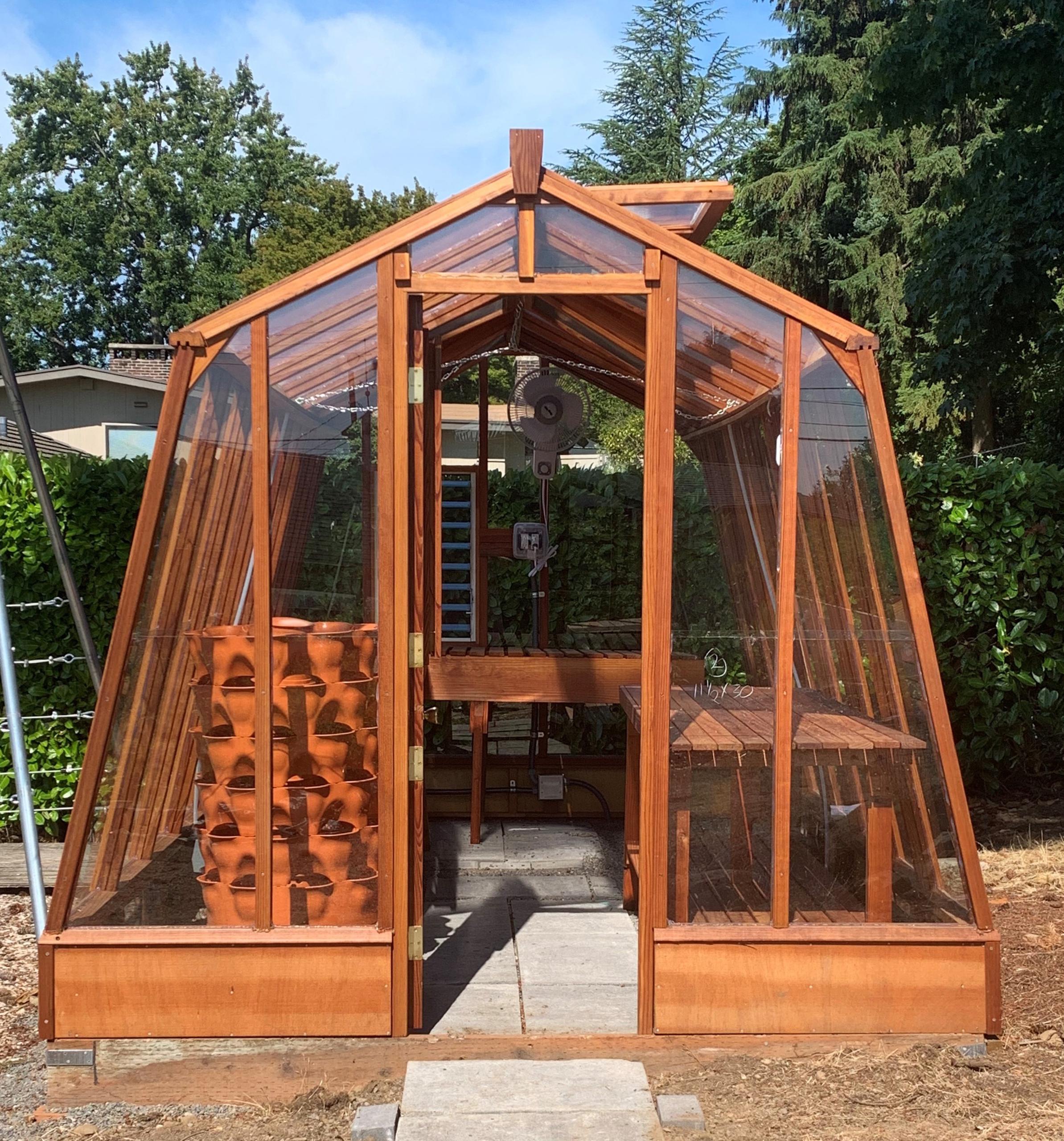 Sturdi-Built Greenhouse Solite