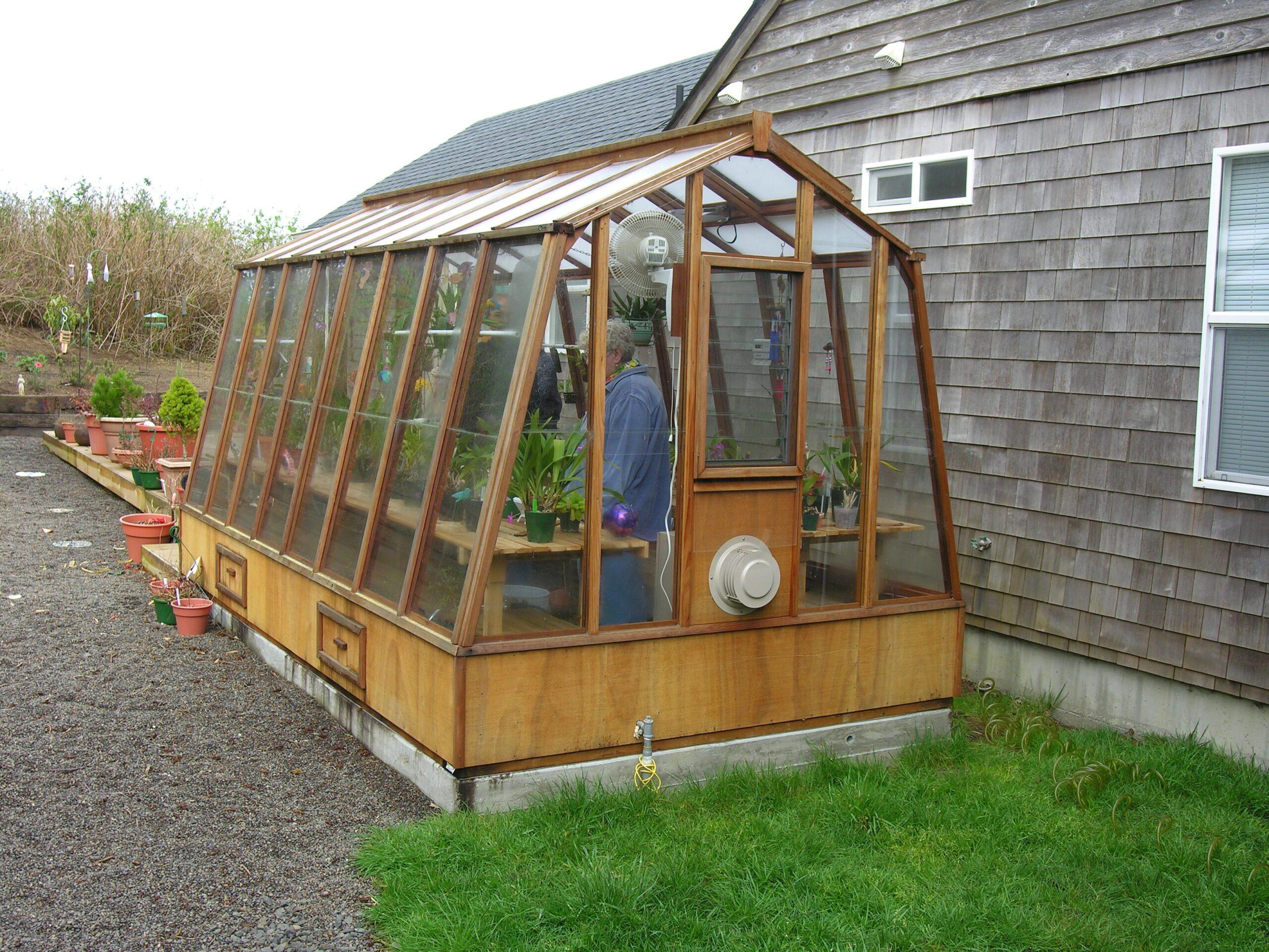 Sturdi-Built Solite Greenhouse