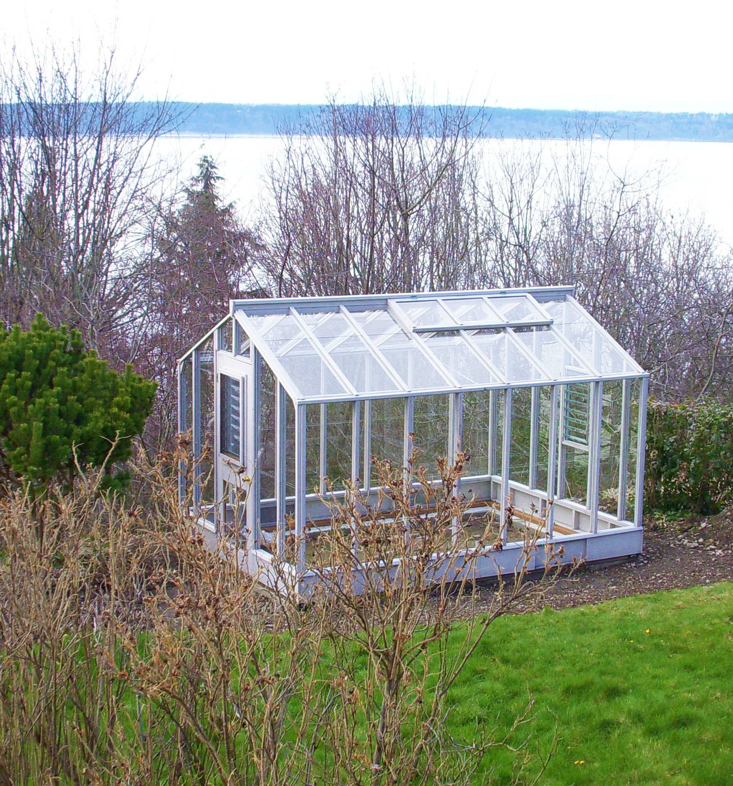 Deluxe Glass-to-Ground Greenhouse
