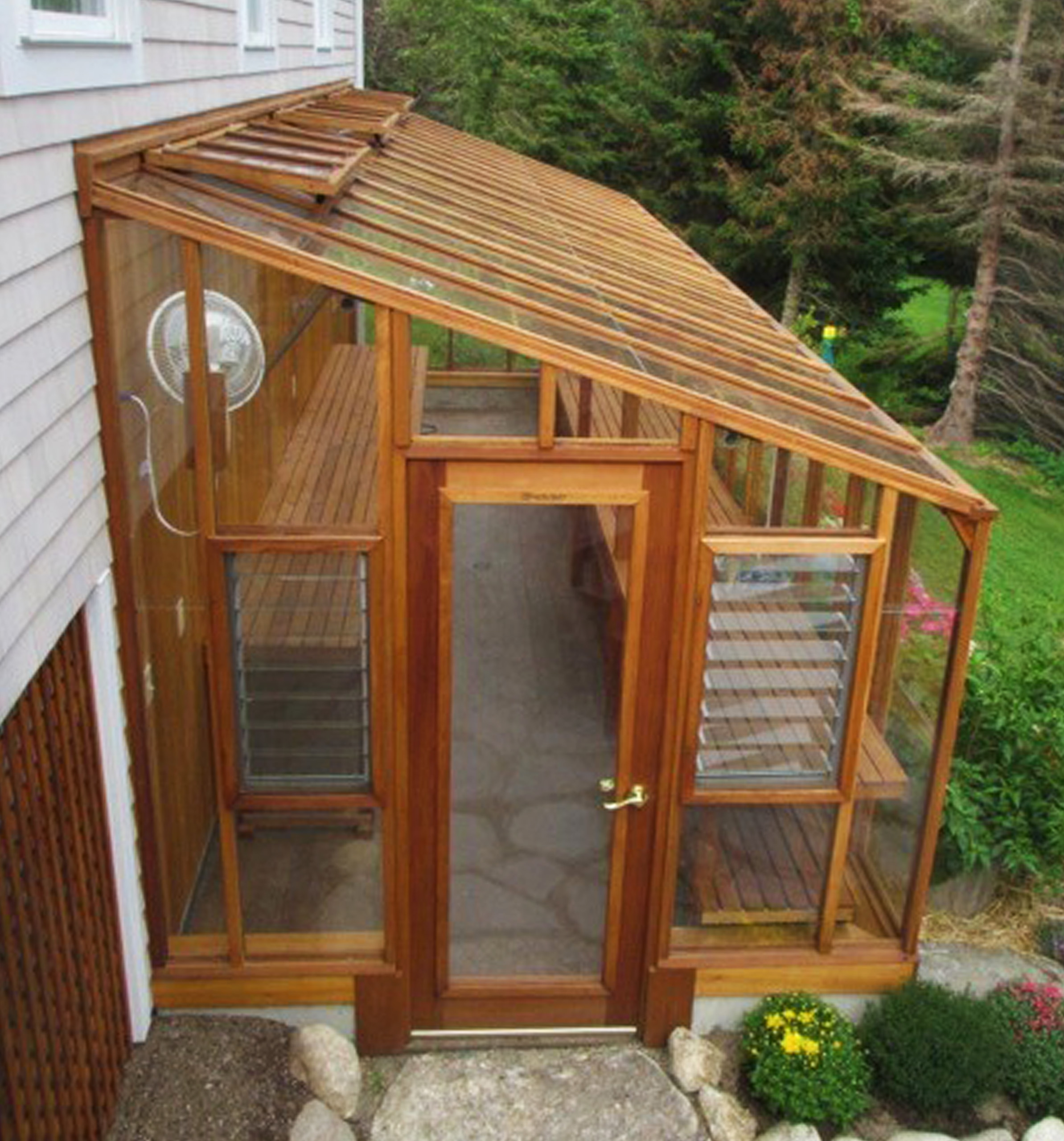 Deluxe Glass-to-Ground Lean-to